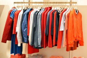 Onde comprar roupas baratas